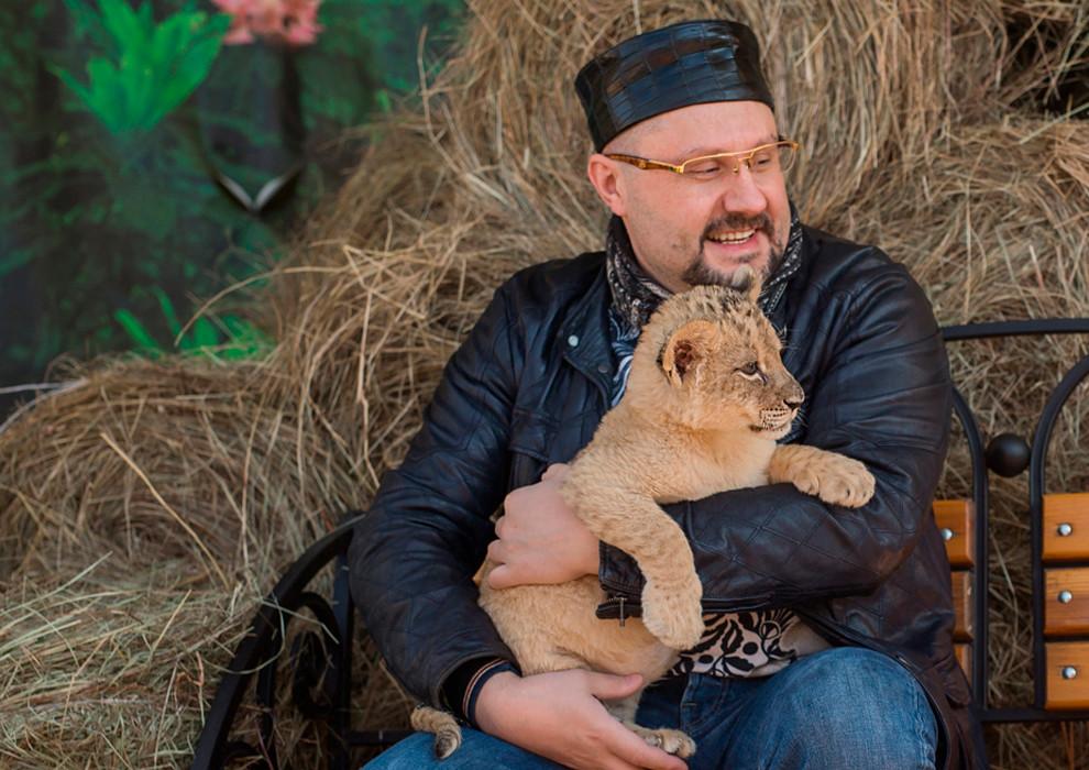 Новая подопечная доктора Едранова - львица  Астра